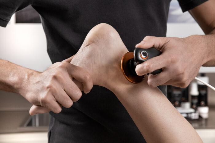 distorsione alla caviglia e approccio terapeutico con tecar